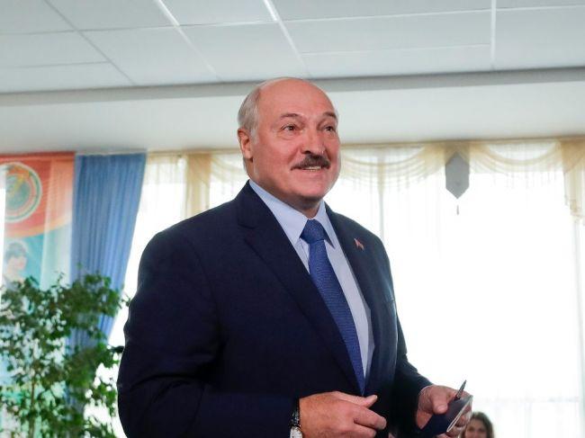 Prezidentské voľby v Bielorusku vyhral Lukašenko