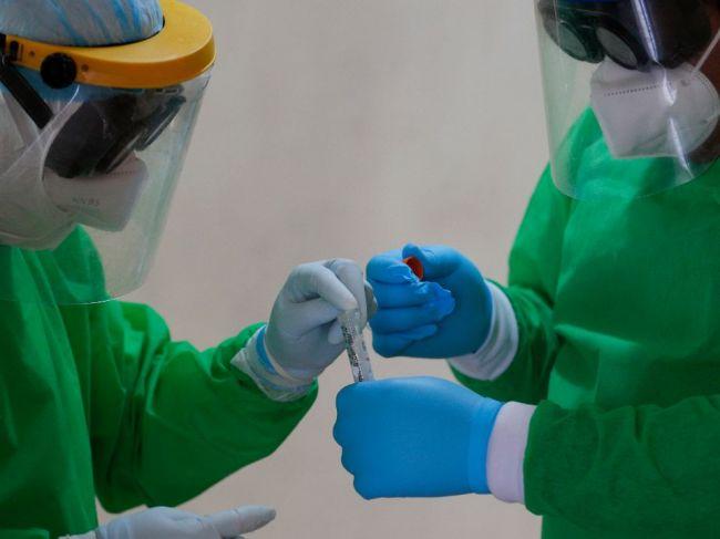 Počet nových prípadov koronavírusu je opäť dvojciferný