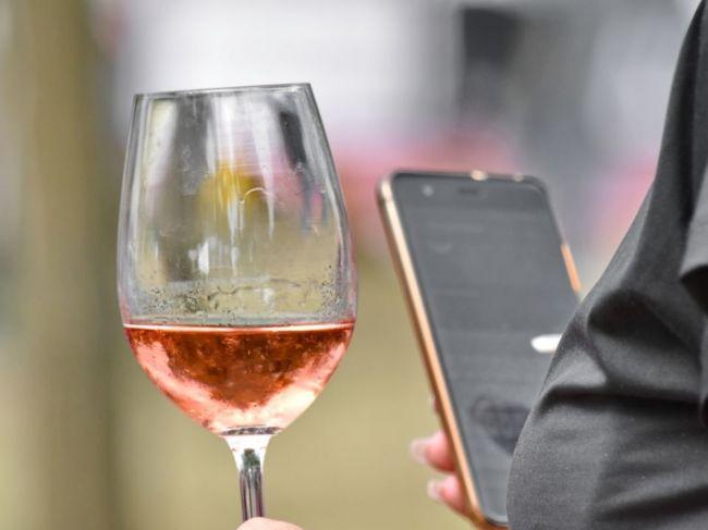 Váš smartfón vás môže sledovať, či ste opití