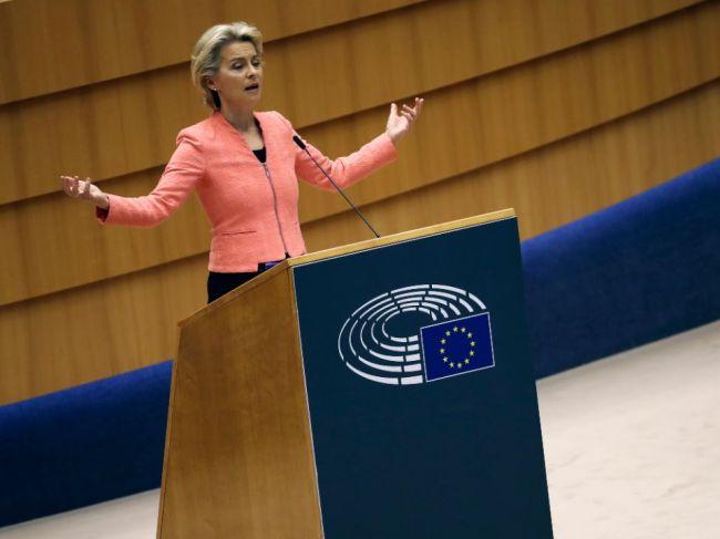 Šéfka EK varovala Britániu, že jej snahy zmeniť dohodu o brexite sú nezákonné