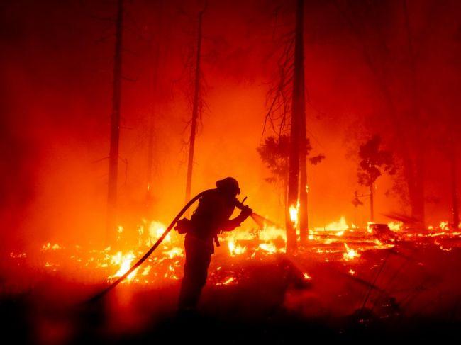 Dym z požiarov na západe USA sa dostal aj do Európy
