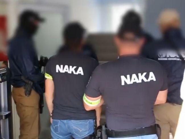 Polícia obvinila dvoch mužov, ktorí sa mali pokúsiť podplatiť štátneho tajomníka