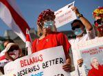Poľsko navrhlo miliardový fond EÚ na pomoc Bielorusom