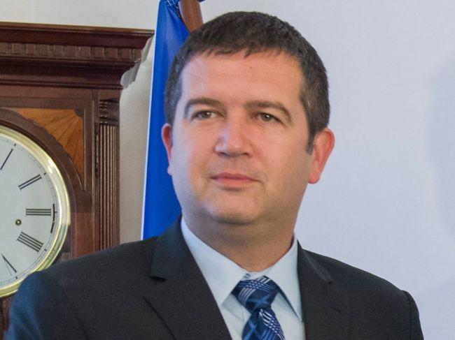 Minister vnútra ČR chce sprísniť opatrenia a obmedziť verejné akcie