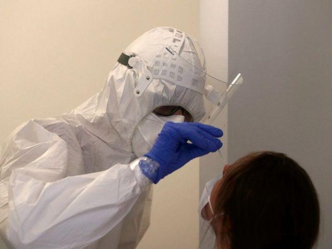 V Česku leží v nemocniciach rekordný počet nakazených koronavírusom