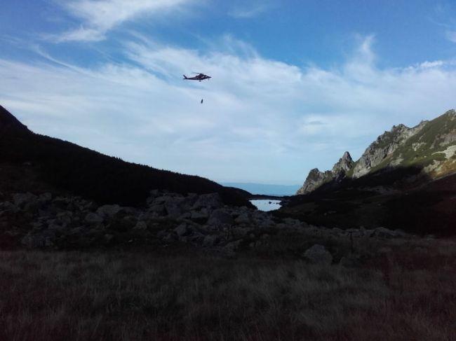 Poľský turista uviazol pod Ovčím sedlom, pomáhali mu aj leteckí záchranári