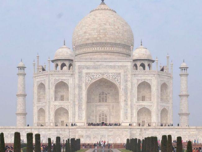 India zaznamenala takmer 87.000 nových prípadov nákazy, napriek tomu otvoria Tádž Mahal