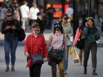 Britskí zdravotnícki experti odporučili zvýšiť stupeň výstrahy pred koronavírusom