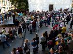 Stovky ľudí pochodovali na podporu zamestnancov nemocnice v Poprade
