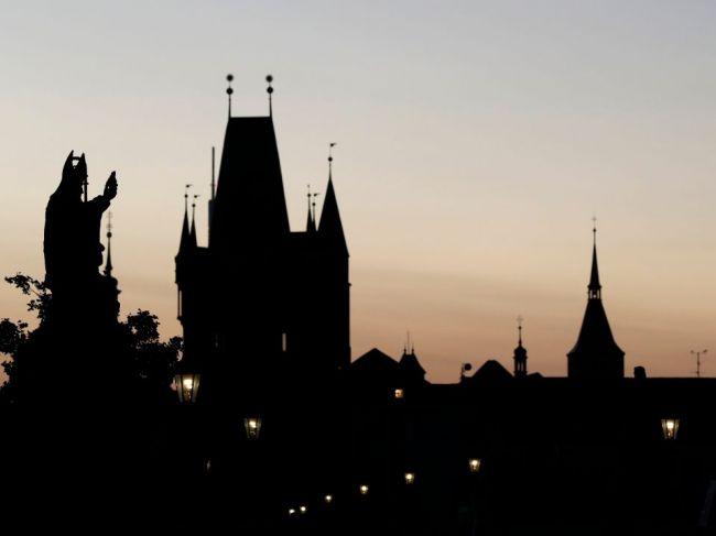 Reštaurácie v Česku budú musieť od štvrtka zatvoriť svoje prevádzky už o 22.00 h