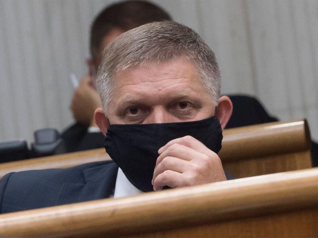 Kollár zvolal poslanecké grémium, pre mimoriadnu schôdzu o to požiadal Fico