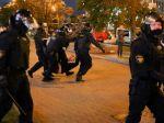 Bieloruská polícia: Po Lukašenkovej inaugurácii bolo zadržaných 364 protestujúcich