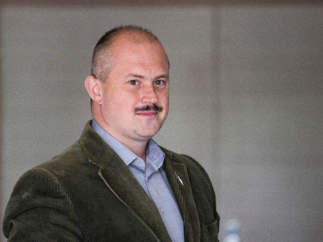 Šeliga podá podnet na ÚVZ, kritizuje, že Kotleba nemal v RTVS rúško