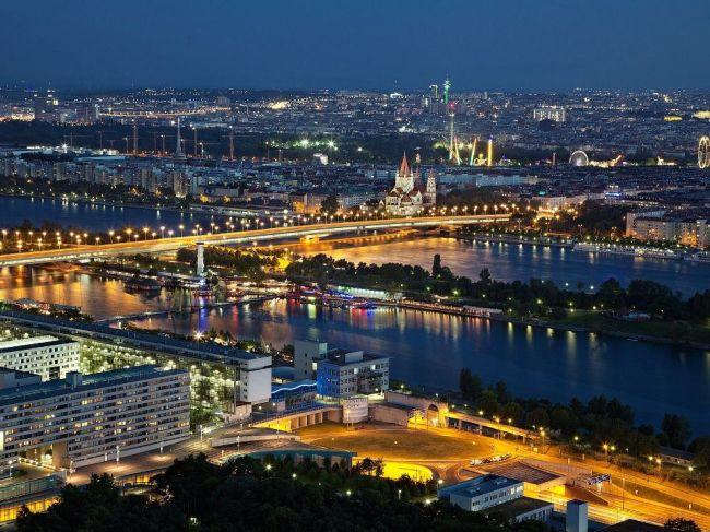 Vo Viedni boli zabité tri dievčatá, z vraždy je podozrivá ich matka