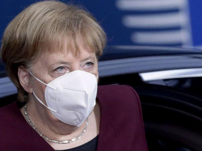 Merkelová vyzvala občanov Nemecka, aby výrazne obmedzili svoje sociálne kontakty