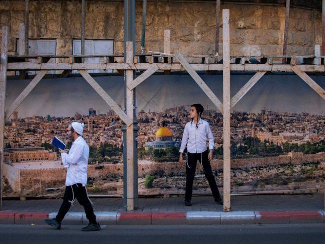 Izrael v nedeľu spustí prvú fázu postupného uvoľňovania reštrikcií