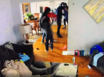 Video: Do domu vtrhli ozbrojení lupiči, takto proti nim zasiahol 5-ročný chlapec