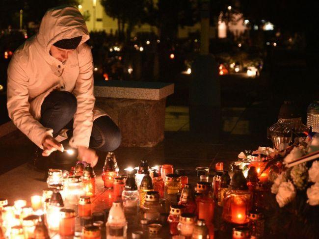 Premiér potvrdil, že počas obmedzenia pohybu sa nemá chodiť ani na cintoríny
