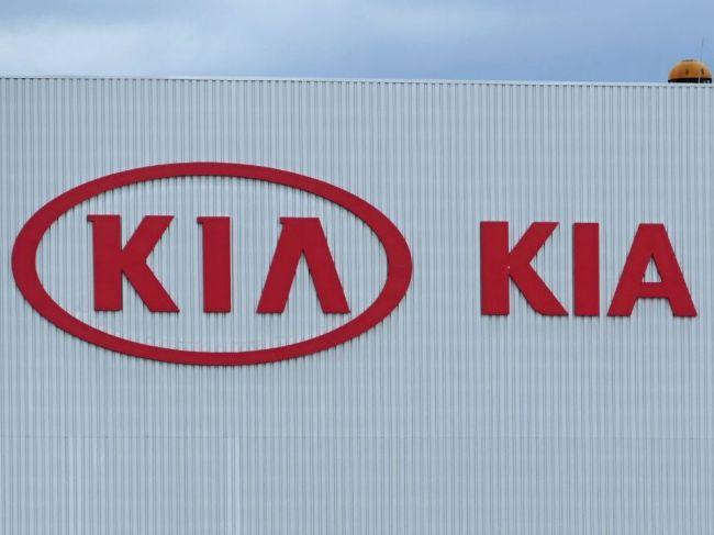 Automobilka Kia obnovila výrobu v dvojzmennej prevádzke