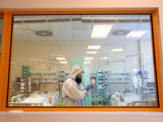 V Česku pribudlo vo štvrtok vyše 13.000 prípadov nákazy