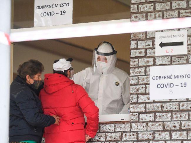 Pri plošnom testovaní pomôžu vojenskí medici z Rakúska