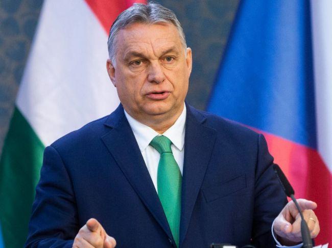 Orbán: Soros platí mnoho politikov, aj tých, ktorí vydierajú Maďarsko