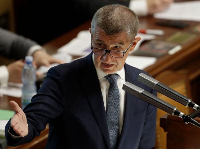 V Česku sa zrejme zruší superhrubá mzda