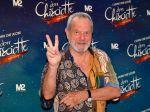 Výtvarník a režisér Terry Gilliam zo skupiny Monty Python jubiluje