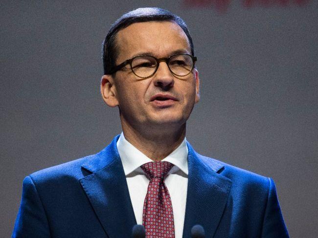 Poľský premiér vyzval občanov, aby zostali doma počas Vianoc