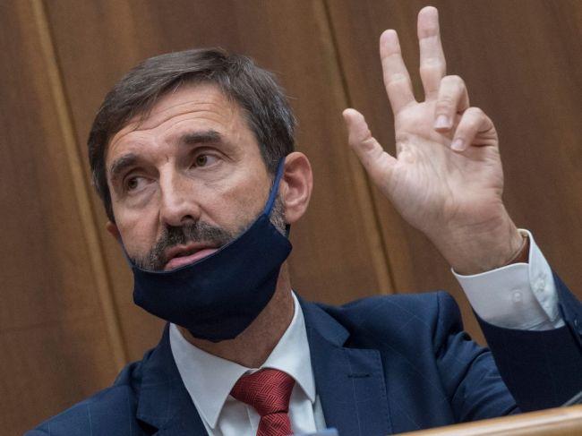 Konflikty členov vlády neprispievajú k dôvere, tvrdia Blanár a Remišová