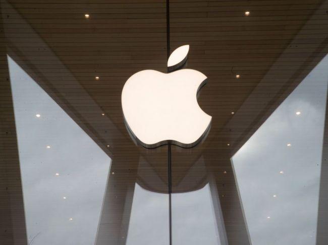 Taliansky protimonopolný úrad dal Apple pokutu za zavádzanie pri predaji iPhonov
