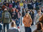 Počet nakazených v Anglicku s prispením lockdownu klesol o 30 percent