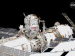 Na ISS majú stále problém s unikajúcim kyslíkom, posádka v ohrození nie je
