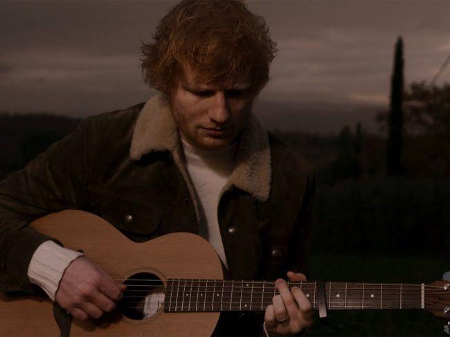 Spevák Ed Sheeran zverejnil novú skladbu Afterglow