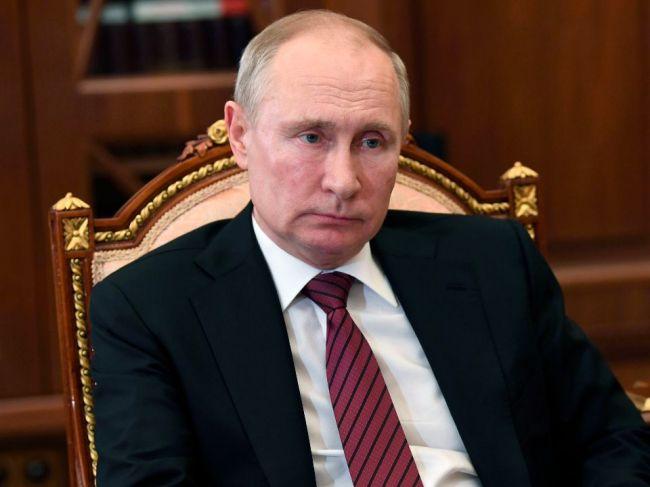Putin nariadil začať s hromadným očkovaním občanov proti koronavírusu