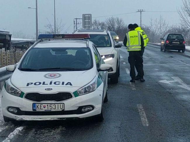 Polícia na území Košického kraja sprísnila kontroly protipandemických opatrení