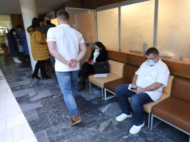 Ministerstvo zdravotníctva vyzýva lekárov, aby sa vrátili do ambulancií