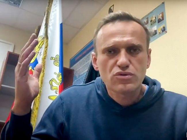 Zadržaný Navaľnyj Rusov vyzval, aby vyšli do ulíc a protestovali