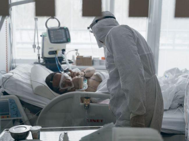 Na Slovensku pribudlo 111 obetí koronavírusu, počet hospitalizovaných rastie
