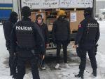 Migranti z Líbye sa dostali do Trenčína na nápravách návesu
