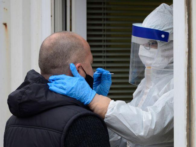 Koronavírus na Slovensku: Pribudlo 1785 nových prípadov nákazy a 93 obetí
