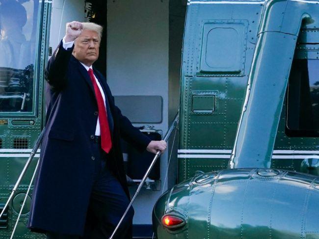 Ústavnú žalobu proti Trumpovi zašlú do Senátu v pondelok