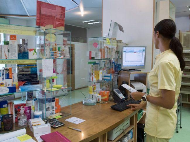 Ministerstvo zdravotníctva schválilo ďalší liek proti COVID-u, kúpite ho aj v lekárni