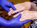 Ľudia s týmto neurologickým ochorením majú dvojnásobne vyššie riziko nákazy koronavírusom