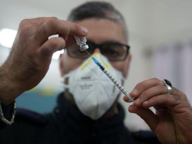 Izrael daroval Česku 5000 dávok vakcíny proti koronavírusu