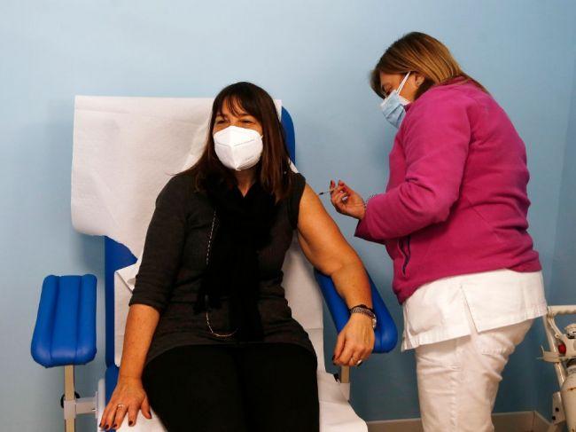 Štefanec: Požiadali sme eurokomisiu o urýchlenie dodávok vakcín na Slovensko