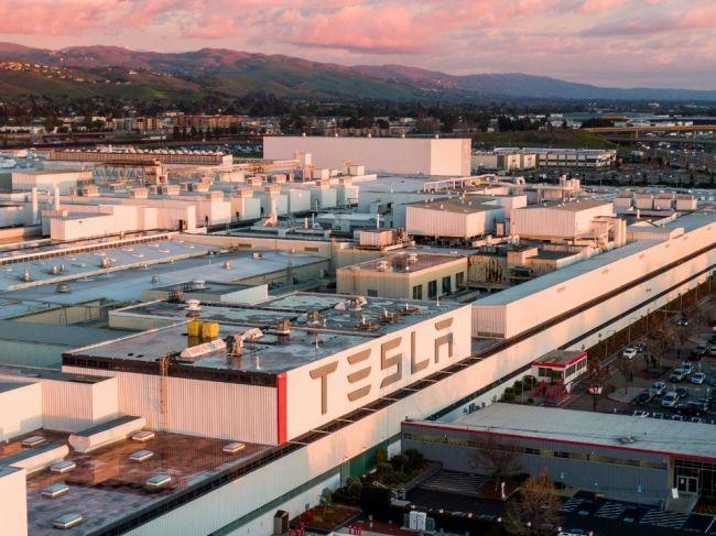 Tesla dodala v 1. kvartáli viac vozidiel, ako sa čakalo