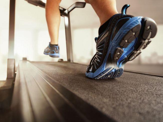 Snažíte sa schudnúť? S bežeckým pásom to radšej neskúšajte. Trénerka vysvetľuje prečo