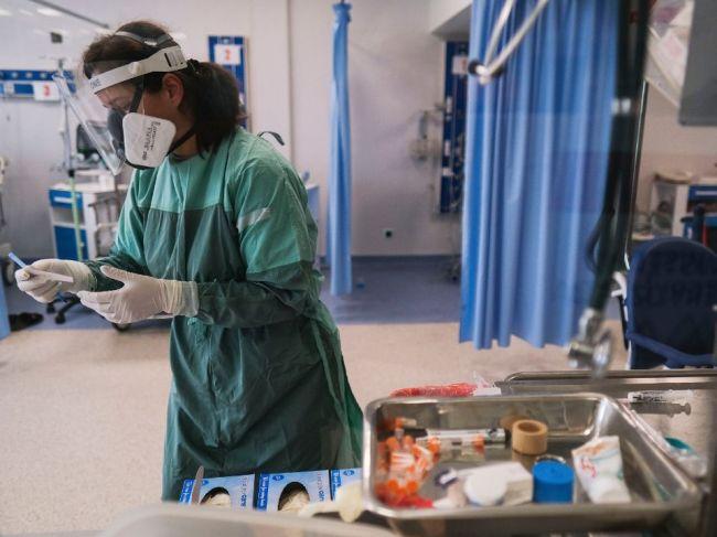 Pribudli desiatky obetí koronavírusu, zaočkovali vyše 15-tisíc ľudí