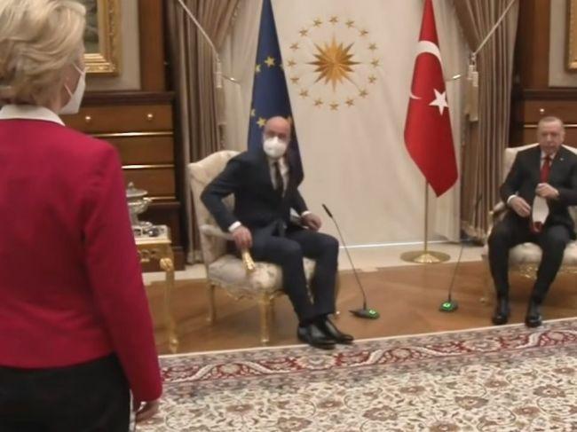 Video: Erdogan neponúkol kreslo von der Leyenovej, Brusel vyjadril pobúrenie